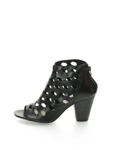 Sandale negre de piele cu model tip plasa Sorrento