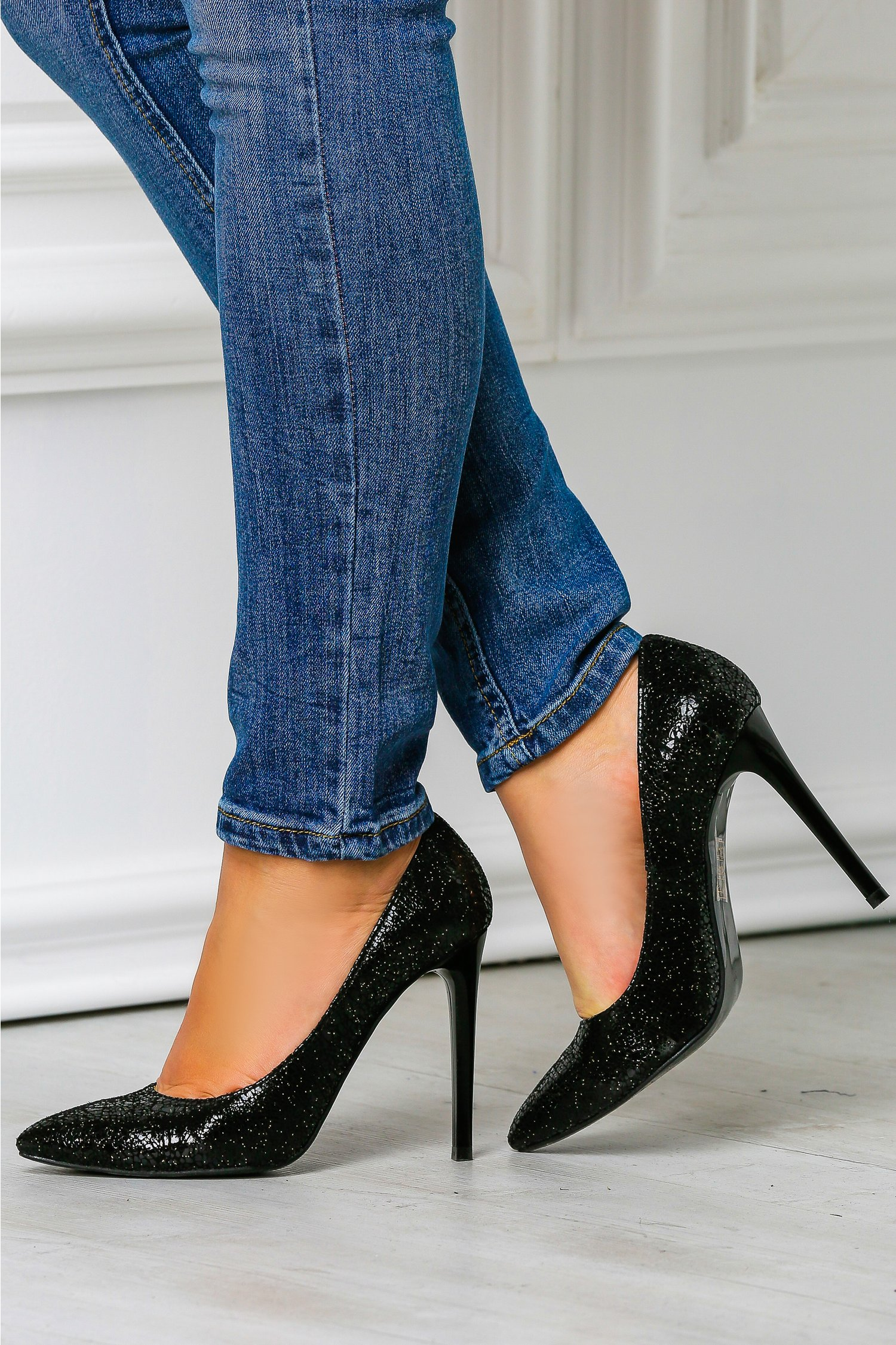 Pantofi dama stiletto negri de ocazie toc inalt, colectia 2018