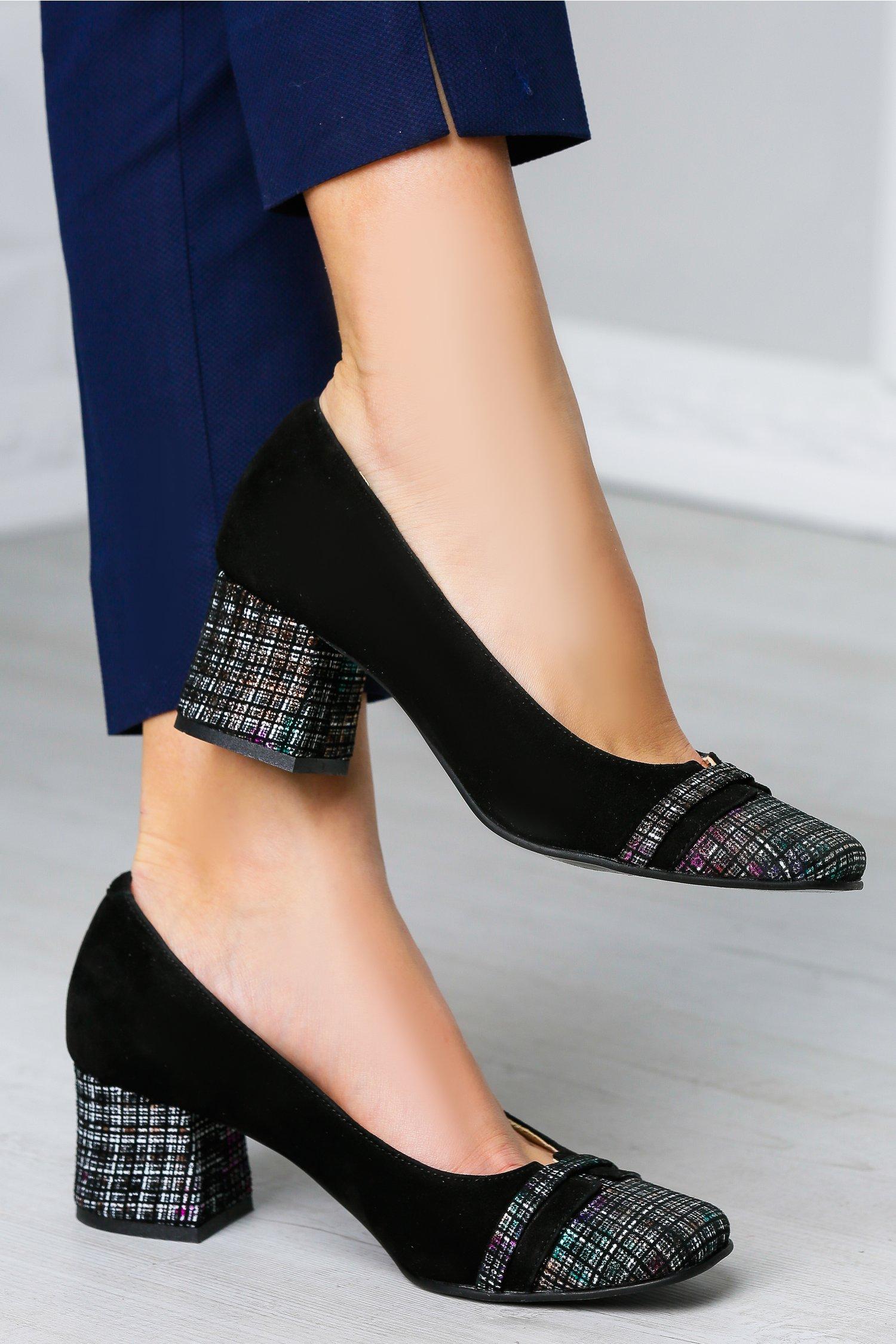 Pantofi Natasa negri cu toc jos imprimat, colectia 2018