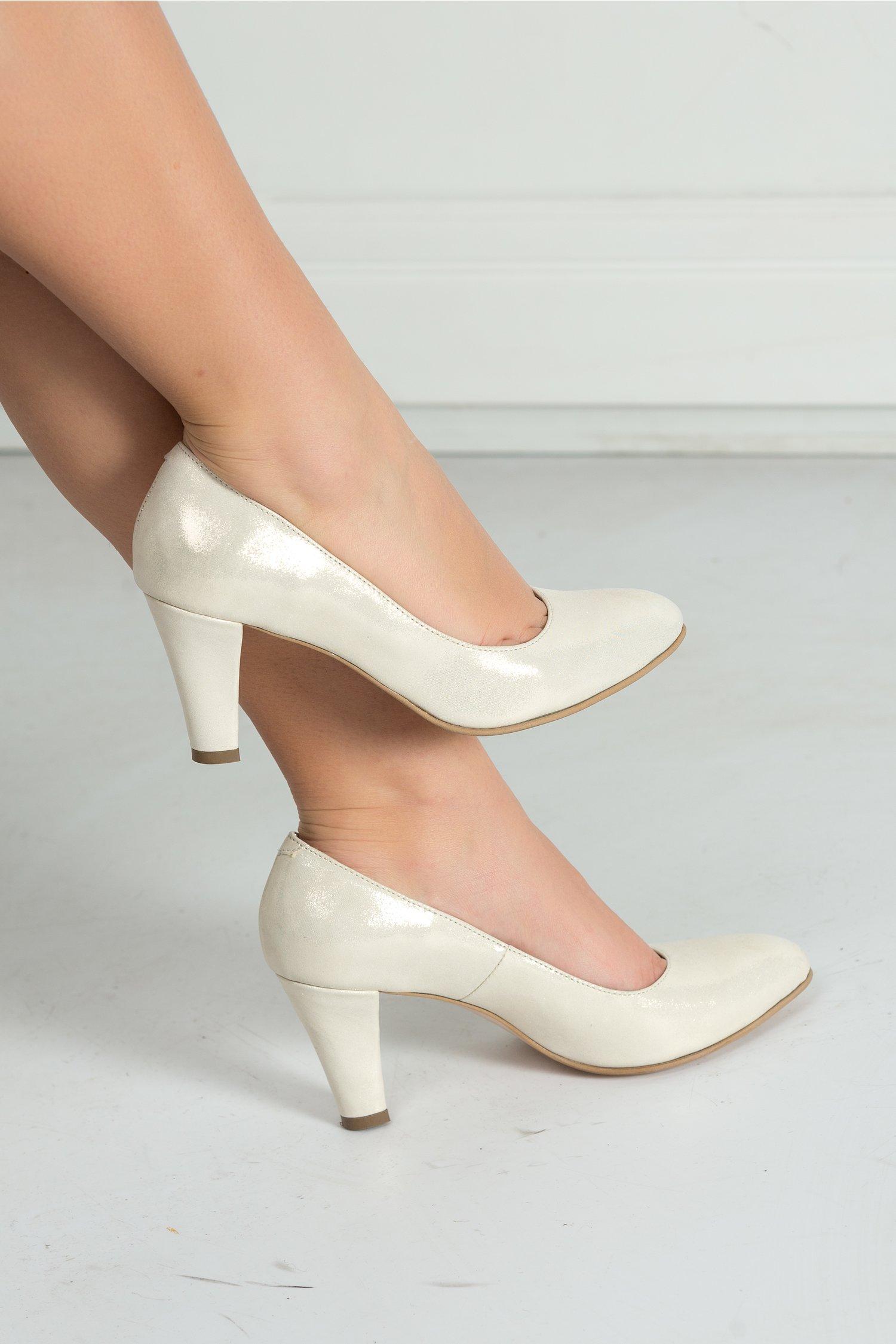 Pantofi Sonora din satin auriu eleganti de ocazie, colectia 2018