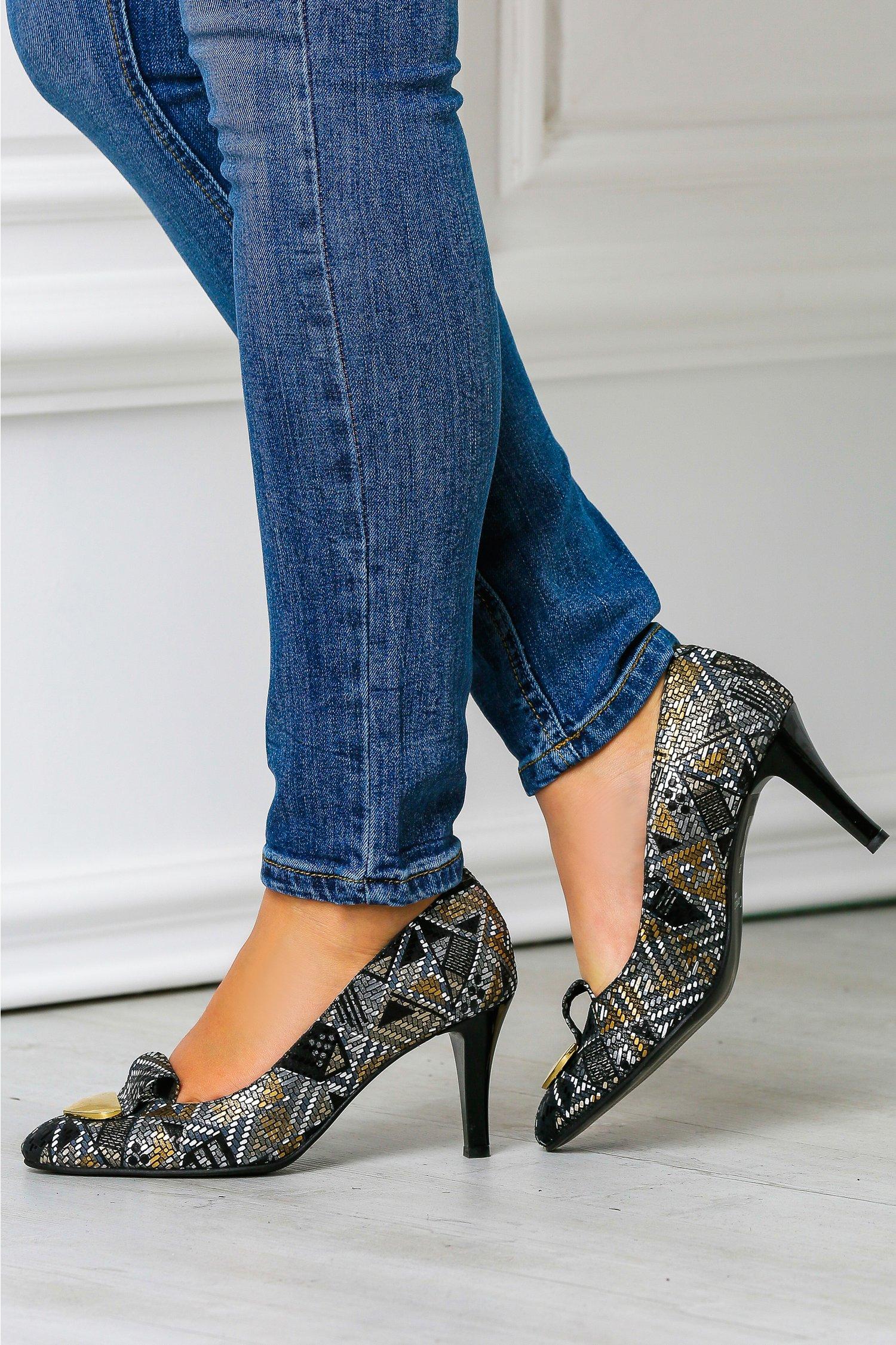 Pantofi stiletto de ocazie cu imprimeu auriu, colectia 2018