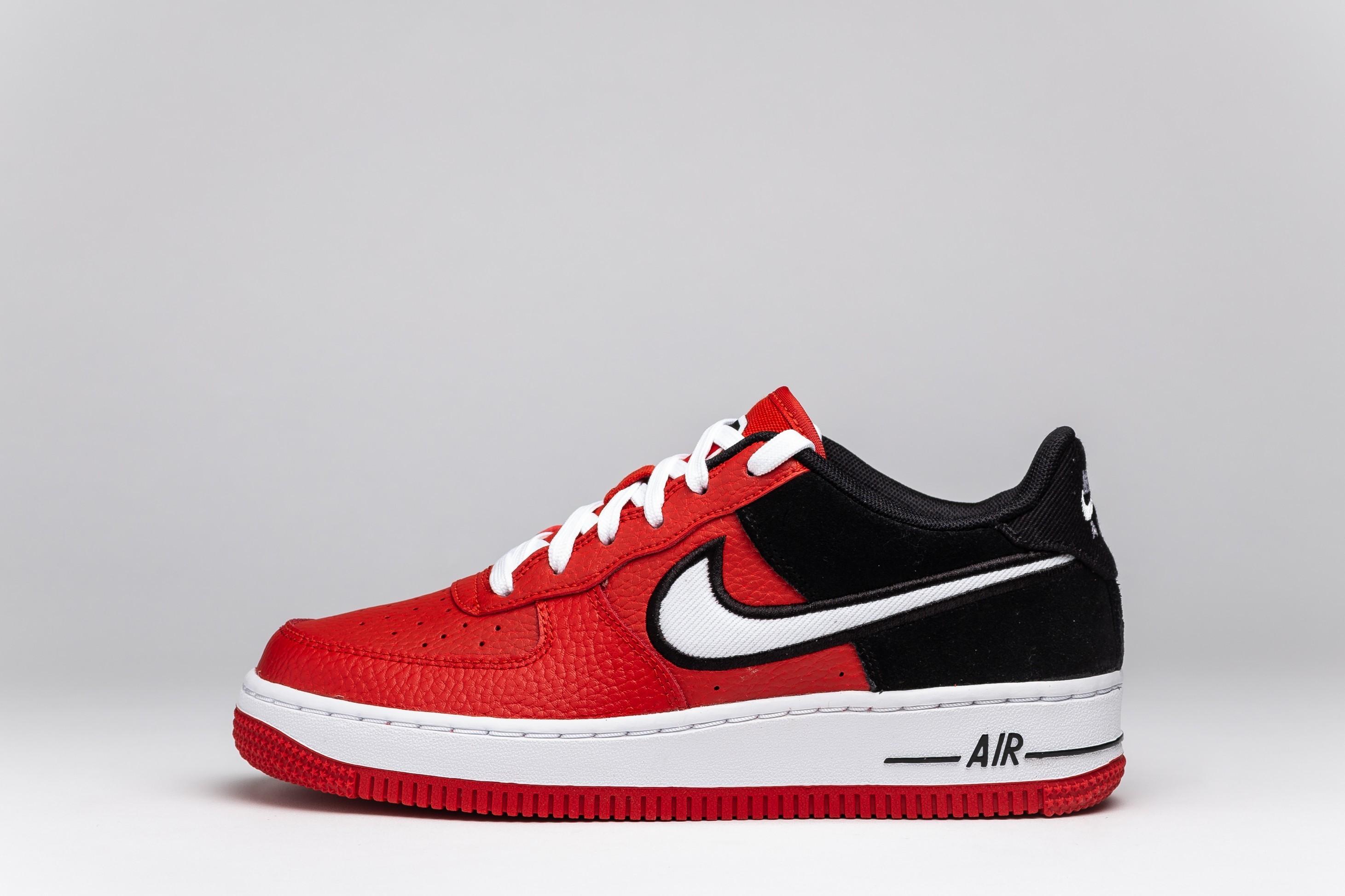 Sneakers Femei Air Force 1 LV8 1 GS
