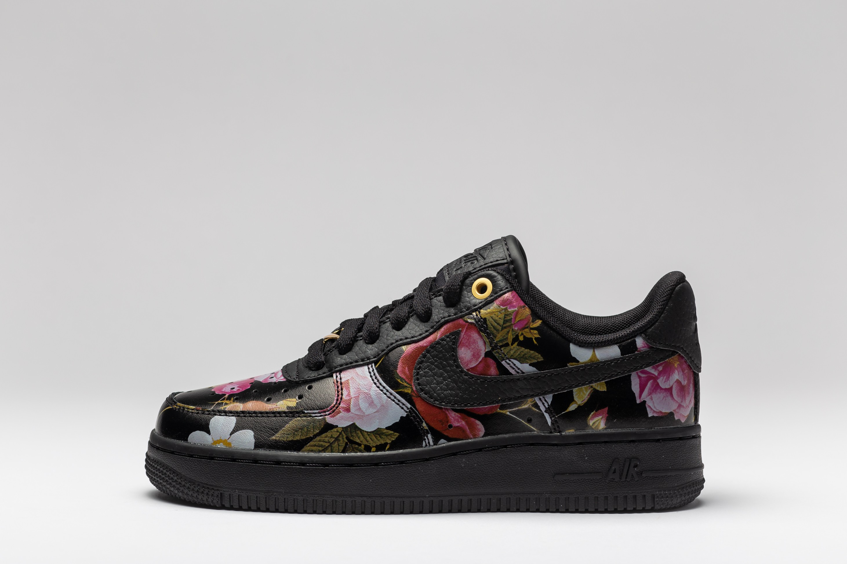 Sneakers Femei WMNS Air Force 1 07 LXX