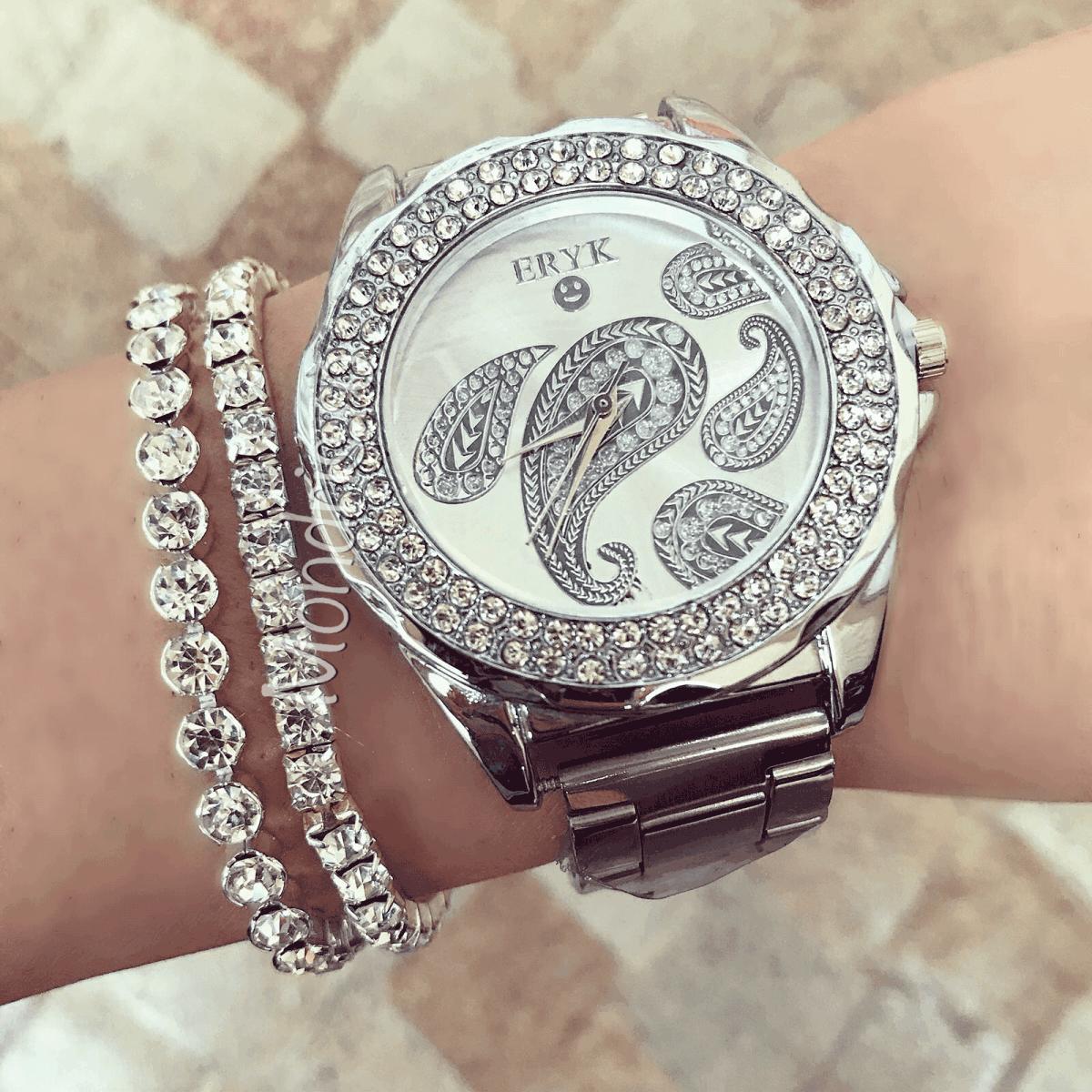 Ceas dama argintiu cu cadran alb si bratara metalica si imprimeu fluture