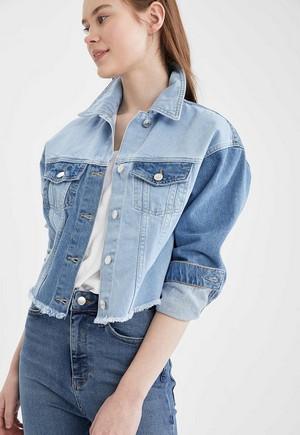 Jacheta dama din denim in doua culori cu nasturi DeFacto Albastra