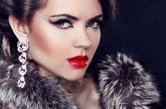 Black Friday haine blana- magazine online cu oferte