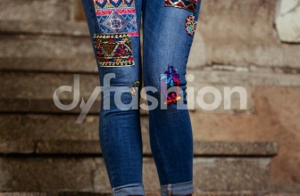 Jeans Albastri Dama cu Aplicatii Colorate, colectia 2018