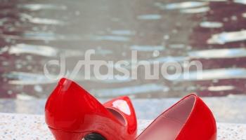 Pantofi rosii eleganti stiletto cu aspect lacuit, colectia 2018
