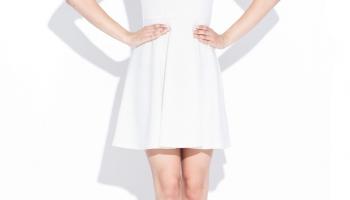 Rochie eleganta alba cu decupaj in forma de inima